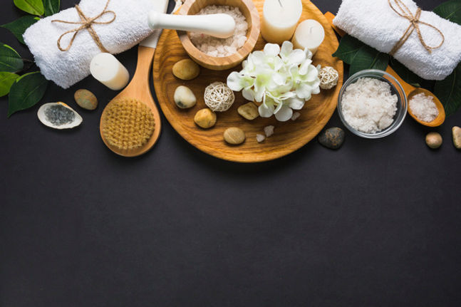 top-view-spa-products-black-background_2