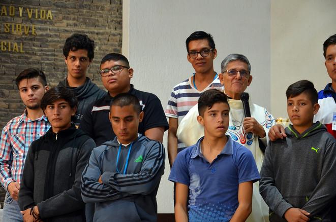 Jóvenes participantes al Encuentro