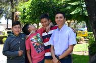 Jóvenes participantes al Encuentro con el Hno. Ángel Arias