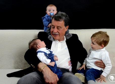 Nonno Paolo con i suoi piccoli nipoti