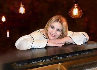 Sushana_Hakobyan_Pianist_edited.jpg