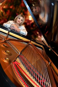Pianist Shushana Hakobyan