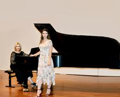 Shushana Hakobyan with singer