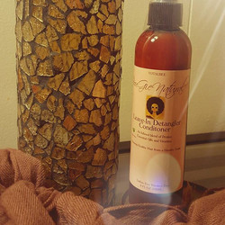 O to _bougienatural! Bougie by is the new healthy when it comes to natural hair! _#SupportBlackBiz a