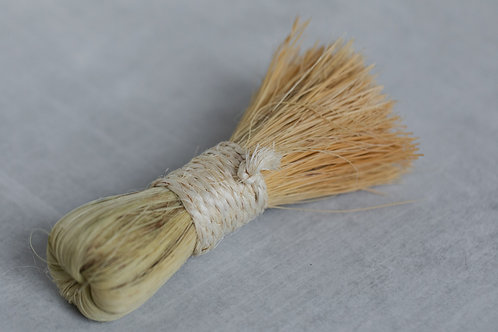 Round hand brush for sustainable home cleaning and green home cleaning. Sold by Salt Creek Mercantile.