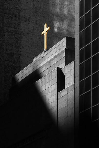 D1421500D Gold Cross Chicago by Duane Bi
