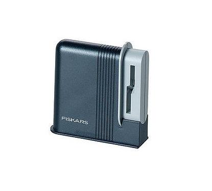 Fiskars Clip-Sharp Scissors Sharpener