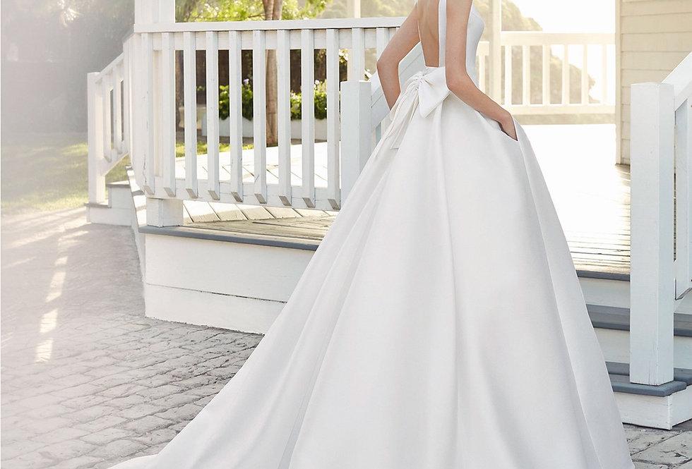 Caqui | Classic Ballgown Wedding Dress by Rosa Clara