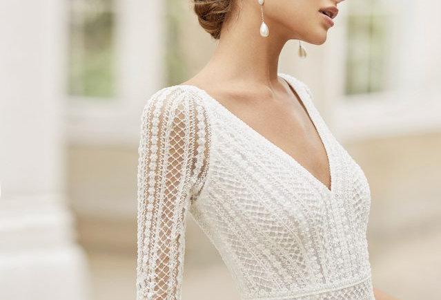 Toscana | Romantic Lace Wedding Dress by Rosa Clara