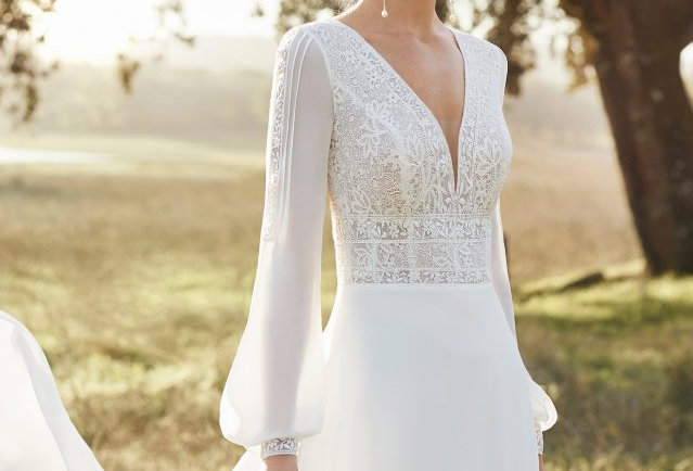 Amanda | Dreamy Romantic Wedding Dress by Rosa Clara