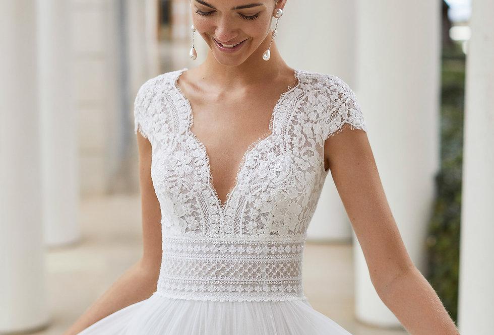 Sauca   Princess Style Wedding Dress by Rosa Clara