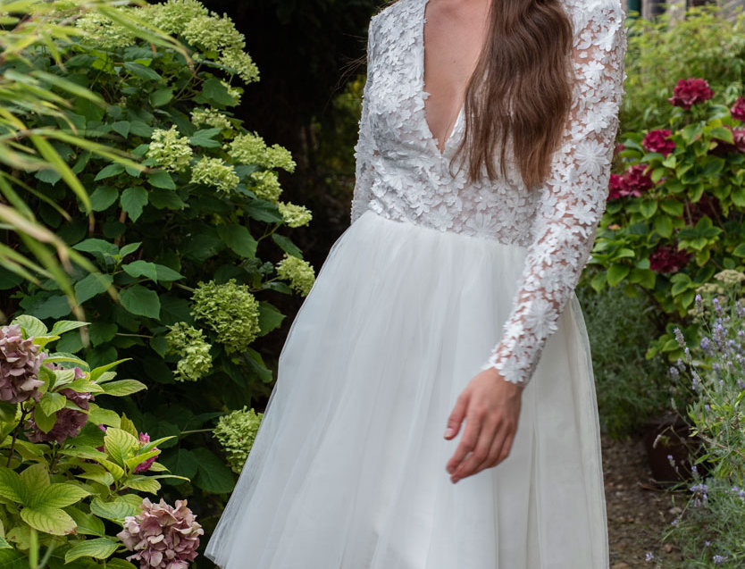 Sidney | Short Wedding Dress With Floral Tulle Bodice By Freda Bennet