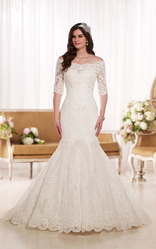 D1748 | Fit-and-Flare Lace Silhouette with Sleeves Wedding Gown