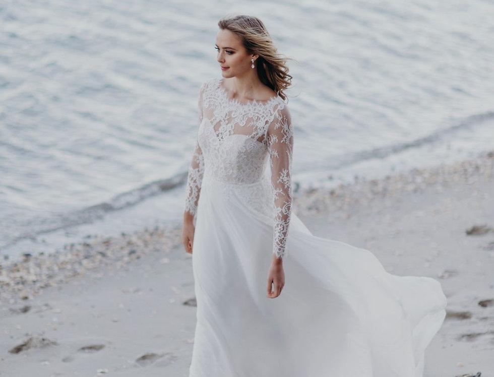 Patrice | Aline Lace Wedding Dress by Wendy Makin