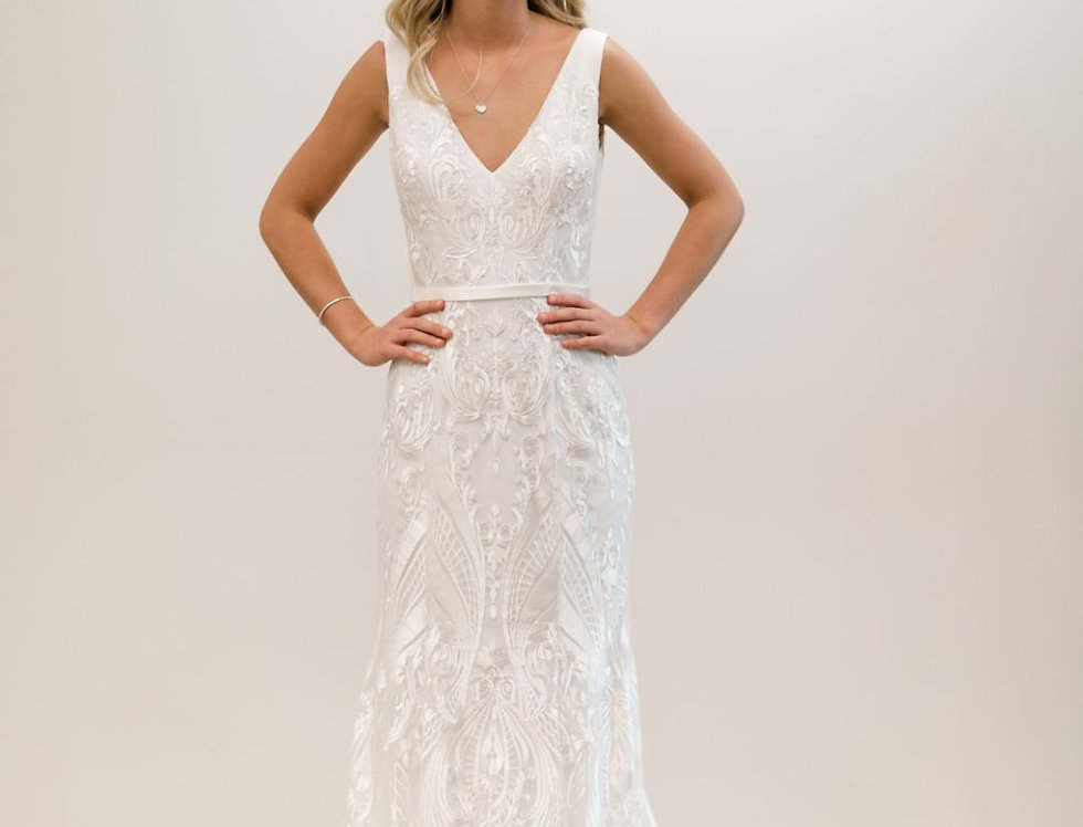 Veronique | Silver Lace Wedding Dress by Wendy Makin
