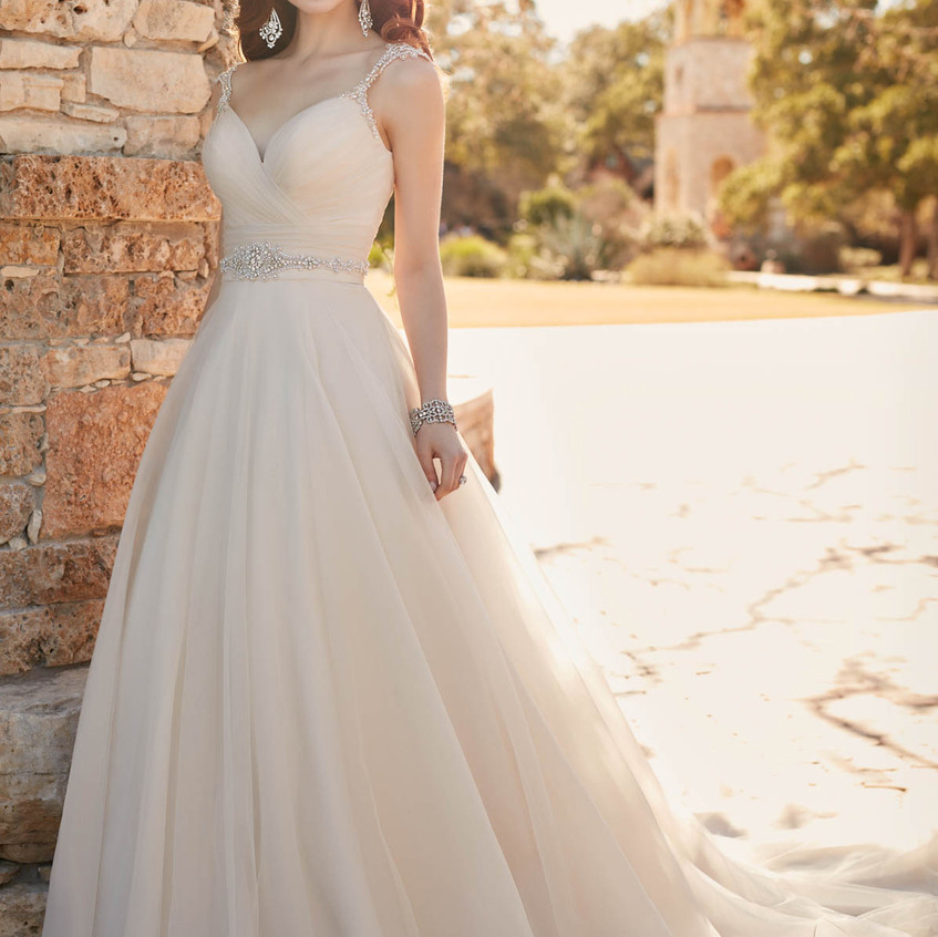 D2175 A-LINE WEDDING GOWN WITH RUCHED SW