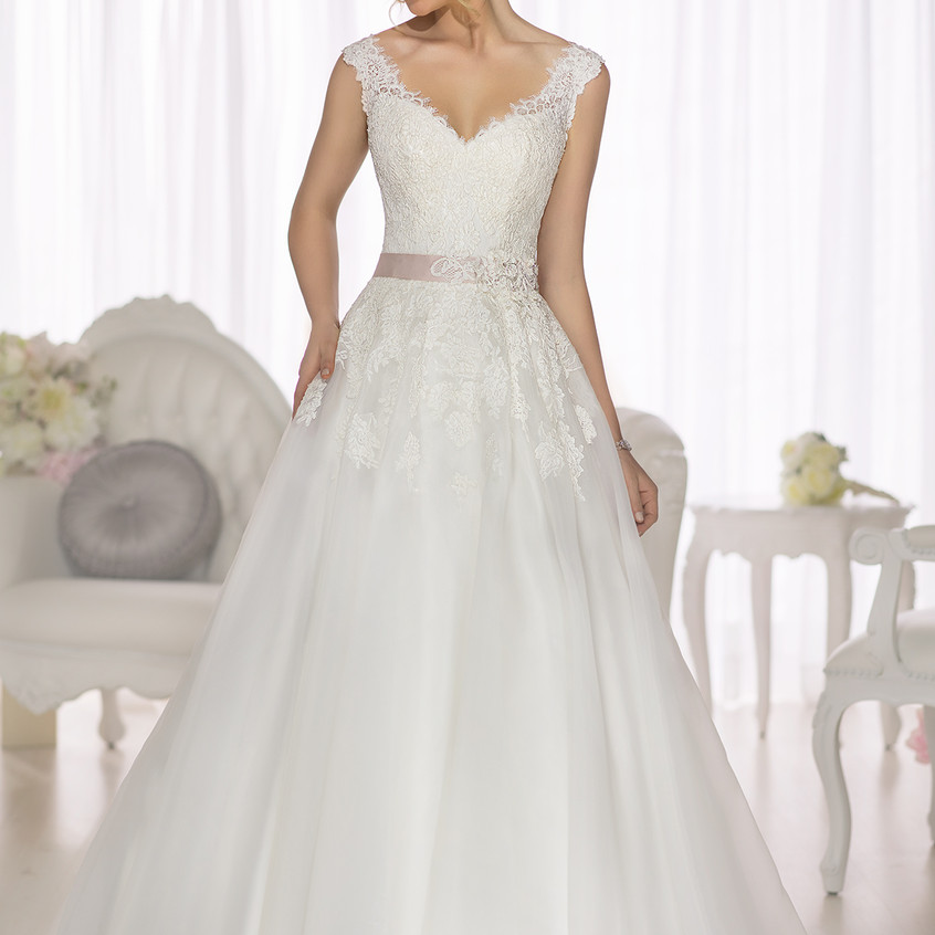 D1662 A-Line Lace and Royal Organza Wedd
