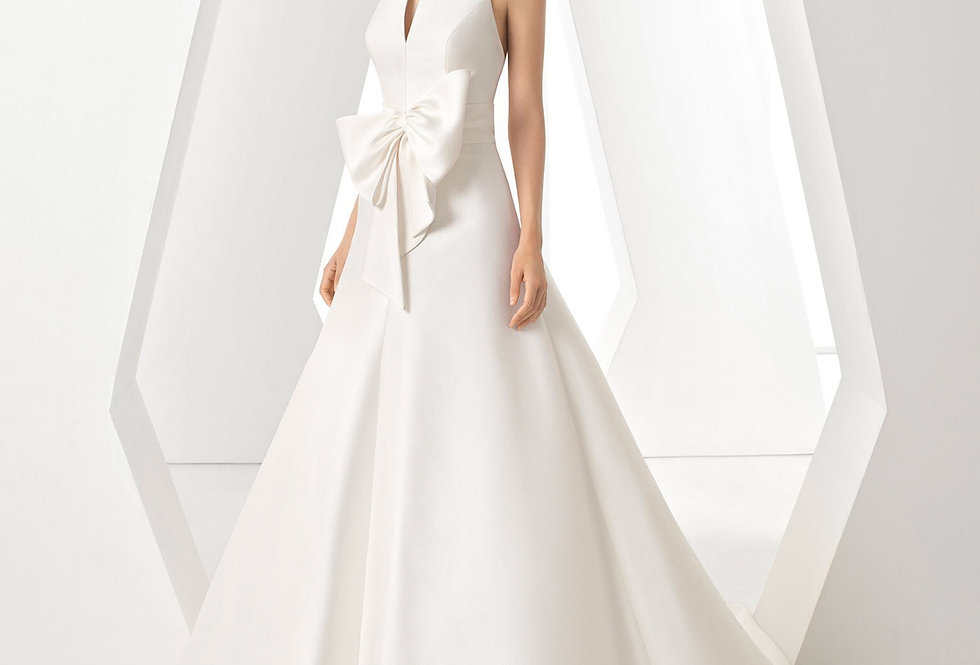 Dores | Sophisticated Wedding Dress by Rosa Clara
