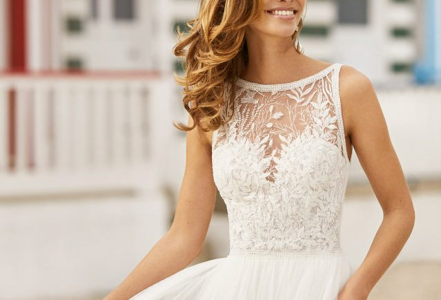 Haniel | Traditional Princess Wedding Dress by Rosa Clara