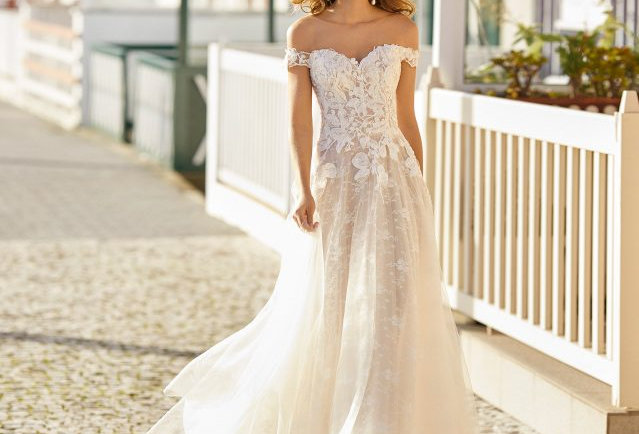 Hayen | Dreamy Romantic Wedding Dress by Rosa Clara