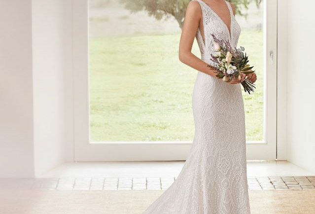 Aurora | Elegant Lace Wedding Dress by Rosa Clara