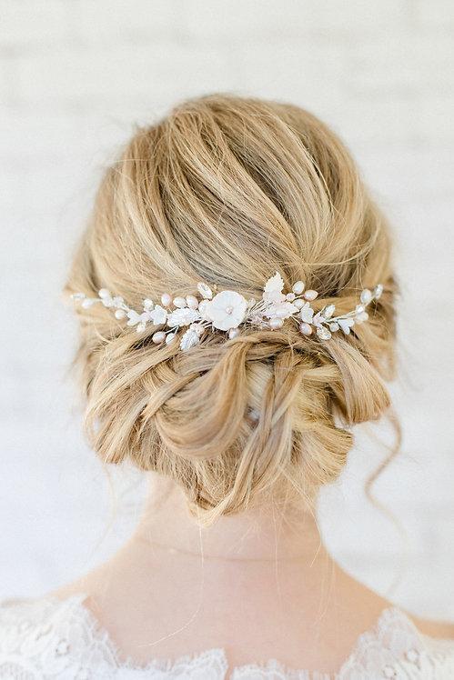 Braut Haarschmuck Headpiece Kopfschmuck Hochzeit Haarblüten Braut Blüte Haarkamm