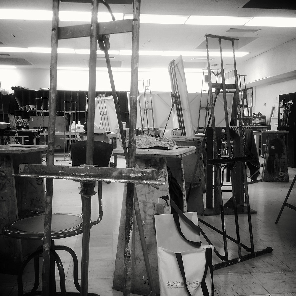 Art studio for fine arts easel painting
