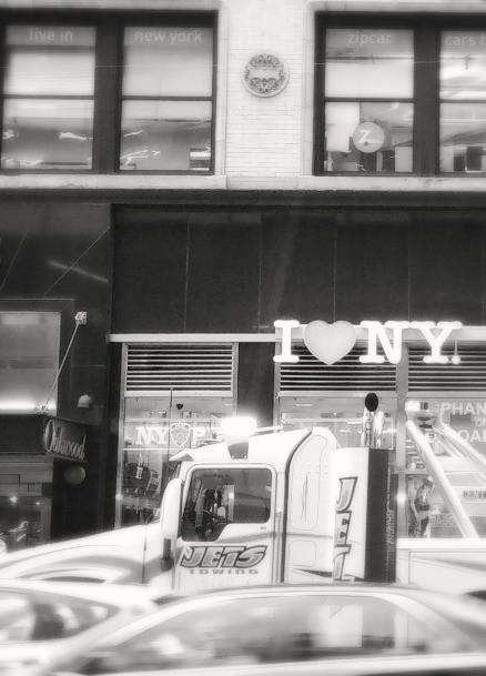 I heart NY gift store