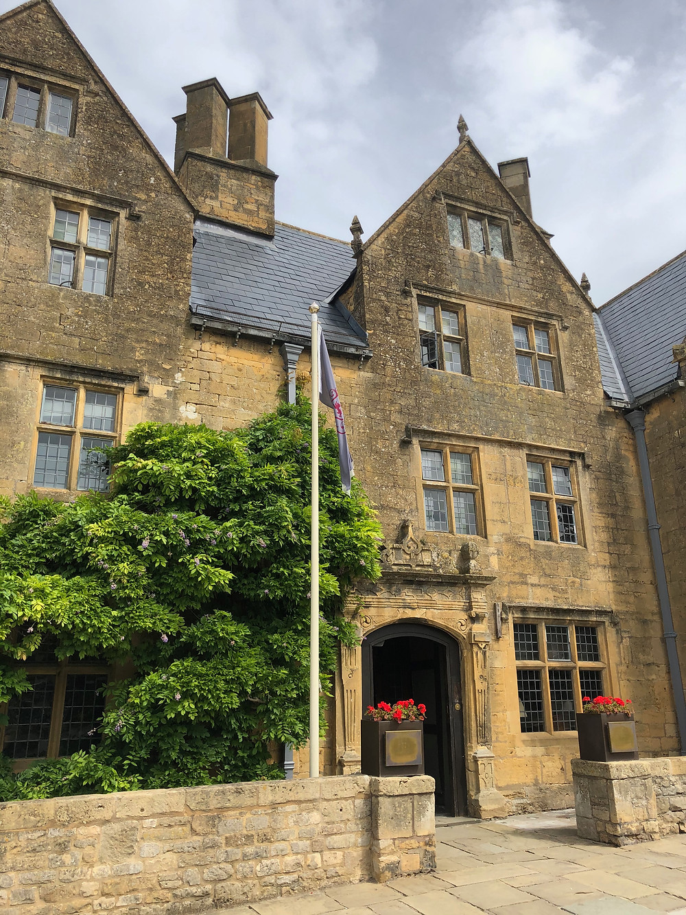 Lygon Arms Hotel in the heart of Broadway dates back to Medieval times.