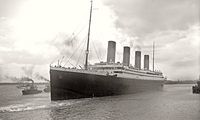 Titanic_leaving_Southampton 1024 px from