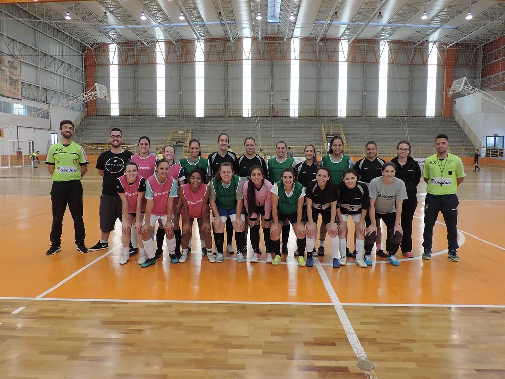 No futsal femininino, a integração entre funcionários da Marcopolo e Randon fortaleceu a competição