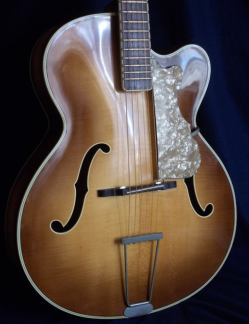 Hofner 456 model (1959).