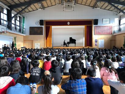 横浜市立大曽根小学校「芸術鑑賞会」で演奏をしました。(2019年1月16日)
