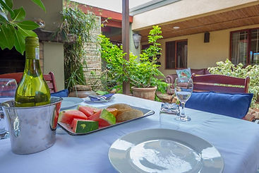 Dai Heka Guest House Strand Koi Pond Area