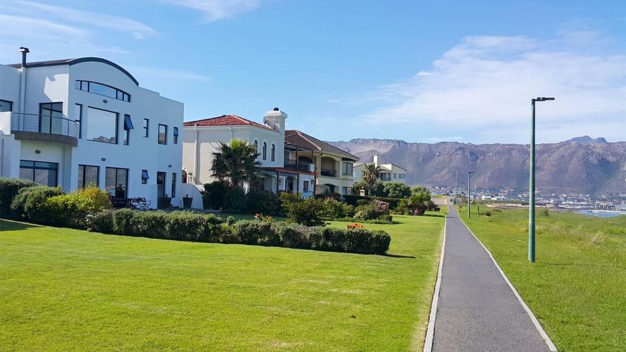 VIP Beach Villa Greenways Golf Estate