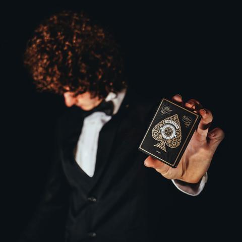 Jesaja Class Illusionist