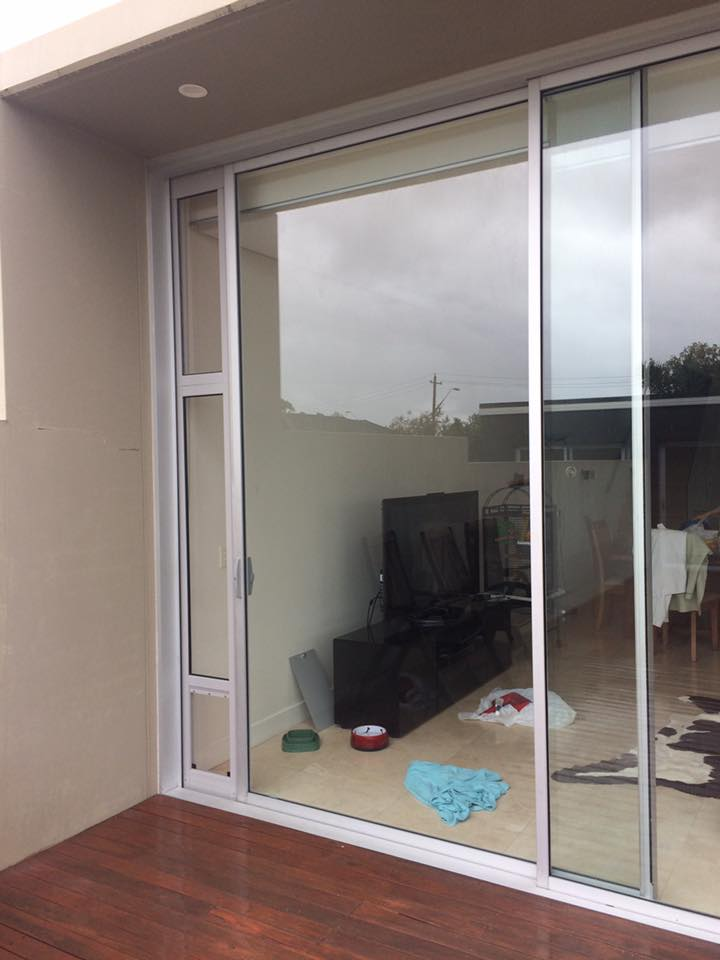 MEDIUM GREY WINDOW EXTENSION