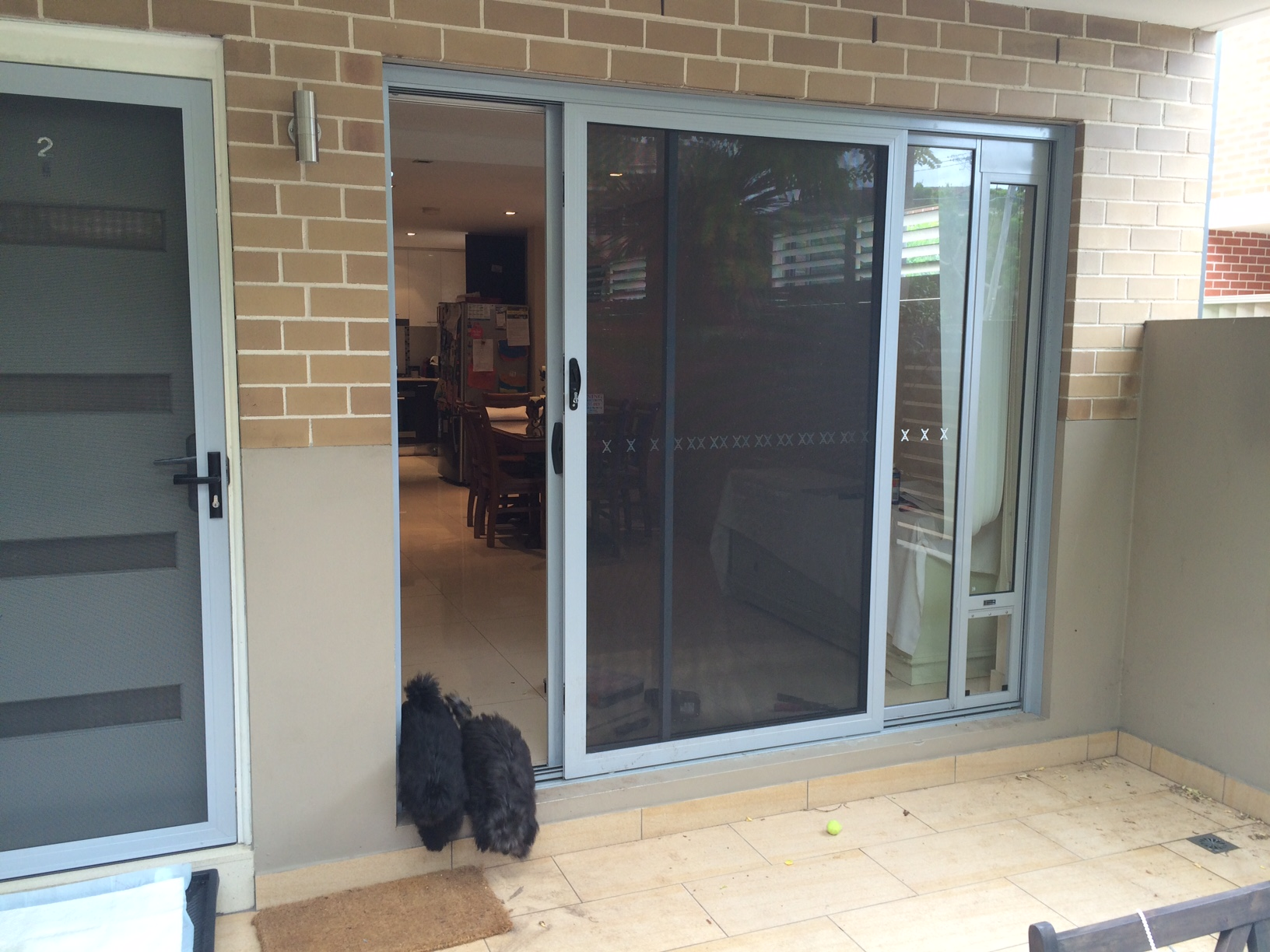 corner installation normal sliding door 1.JPG