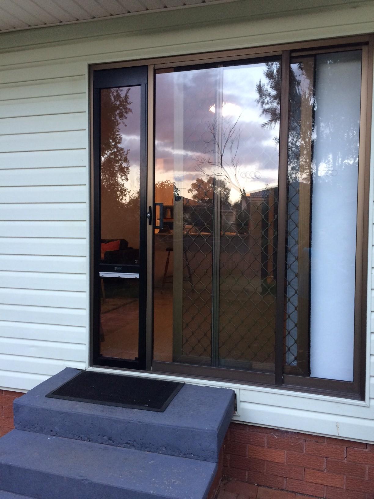 Brown doors with black insert.JPG