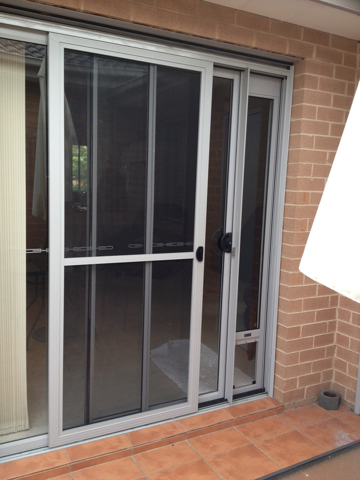 Patio Pet Door Inserts for Sliding Doors, Fully Lockable,Fast Delivery