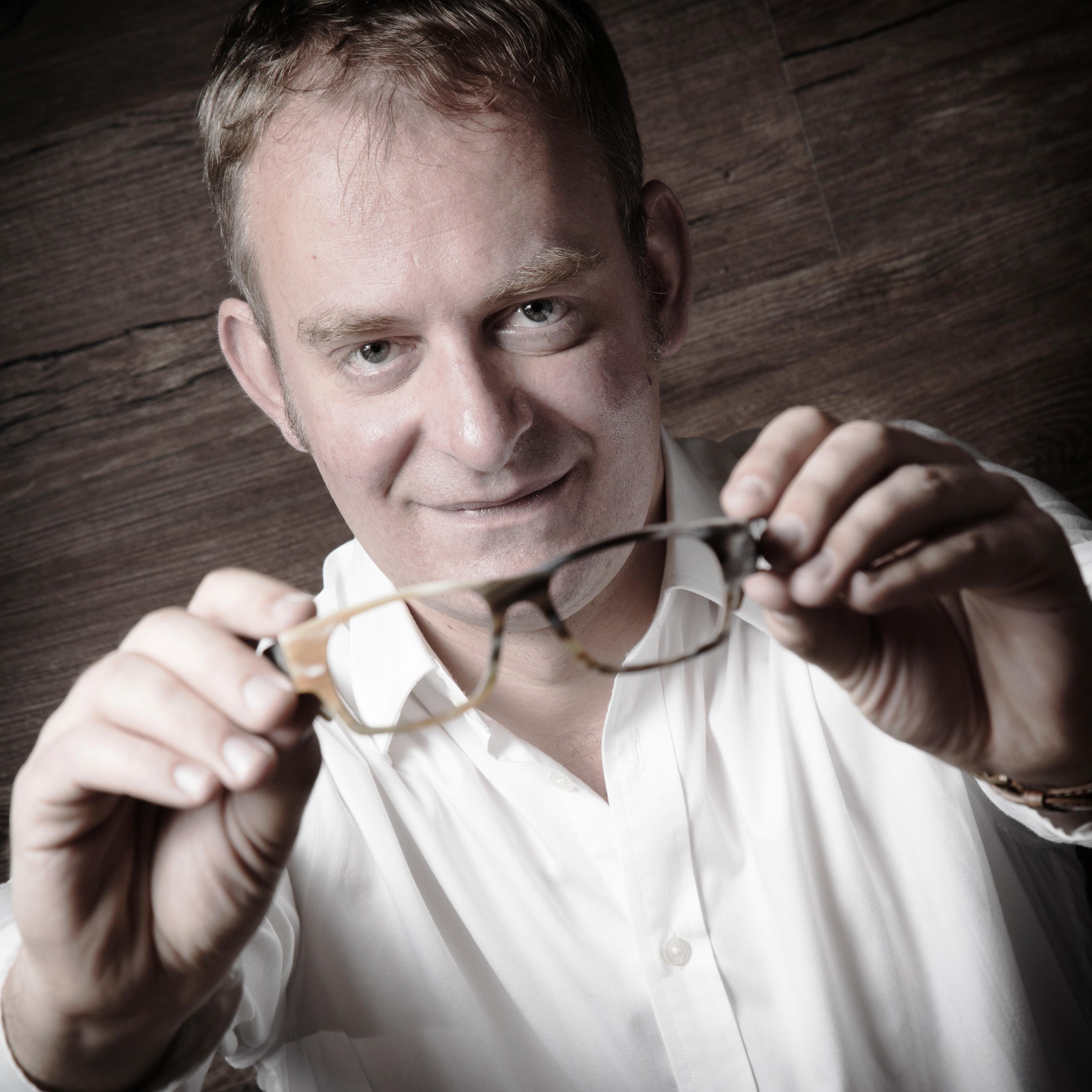 Bespoke Eyeglasses Consult.