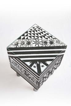 3-cubo-schwarz-weiss-oben.jpg