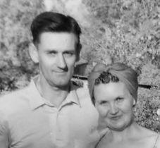 earl sturdy and wife flora mae.jpg