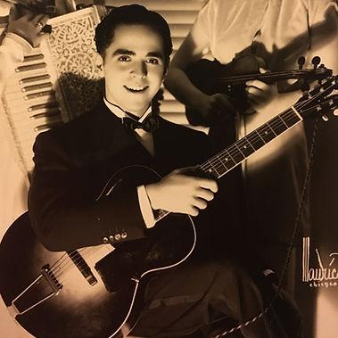 gordoni don with guitar (2).JPG