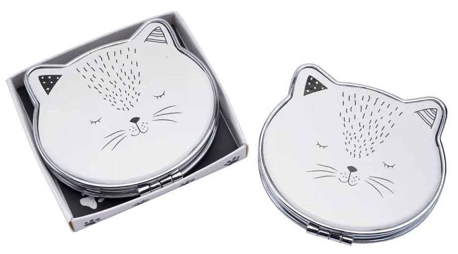 Cat face shaped compact