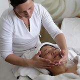 massage-2169099_1920_edited.jpg