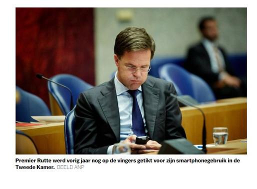 Onderzoek: politici hebben vaak meer oog voor telefoon dan voor debat