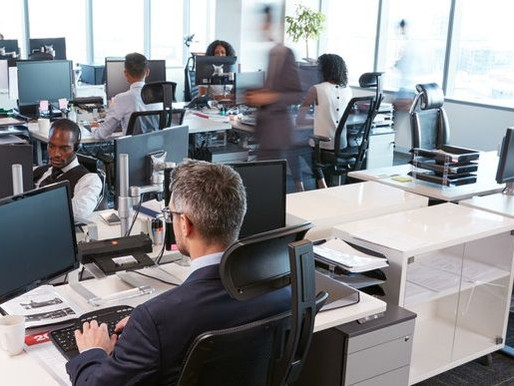 Werknemer lijdt in kantoortuin