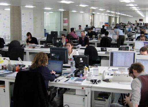 Om de haverklap een e-mail of telefoontje: drie op de tien werknemers trekken het niet.
