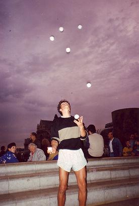 7 ballen in Parijs